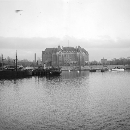 1917 View of Empress Hotel from inner harbour Victoria