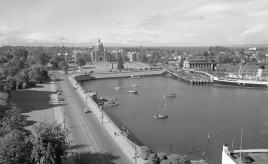 1940 Victoria inner harbour and Legislature buildings